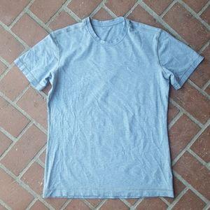 Lululemon tee shirt